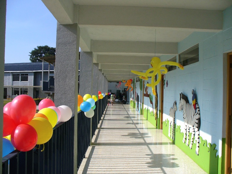 Nuestras instalaciones colegio los andes for Actividades recreativas en el salon de clases